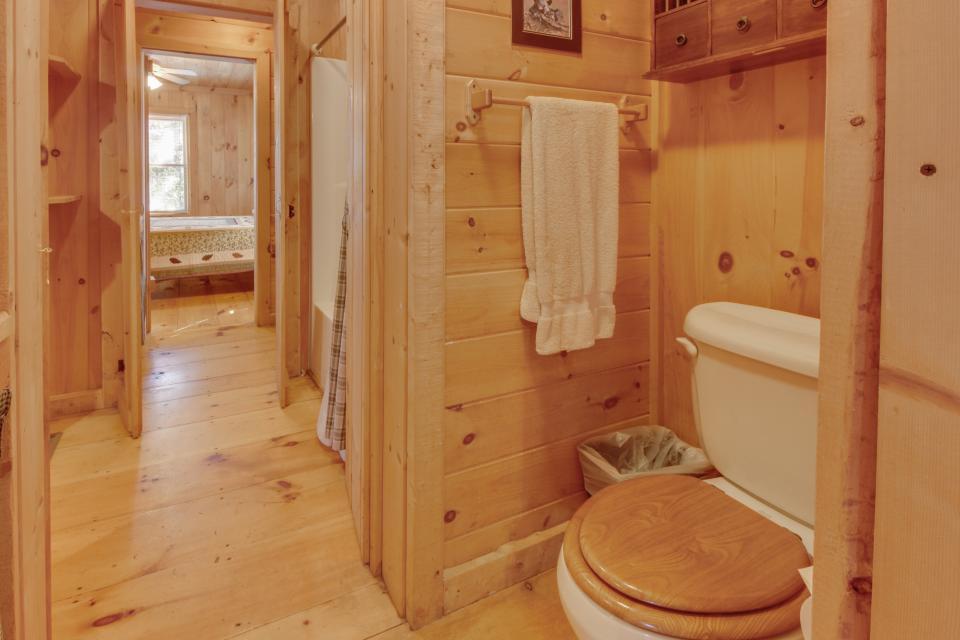 Cherokee Point Cabin - Ellijay Vacation Rental - Photo 39