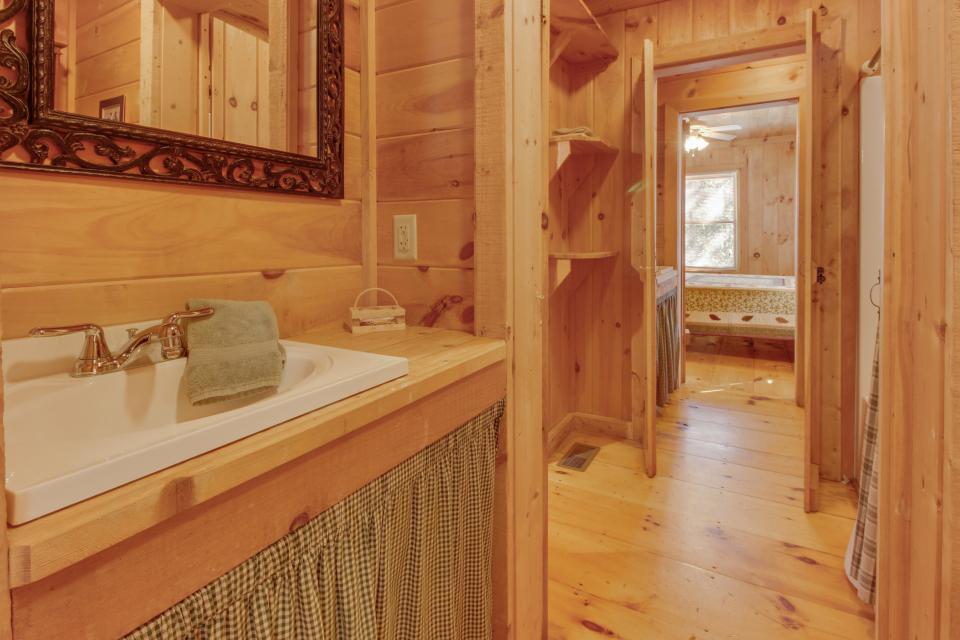 Cherokee Point Cabin - Ellijay Vacation Rental - Photo 16