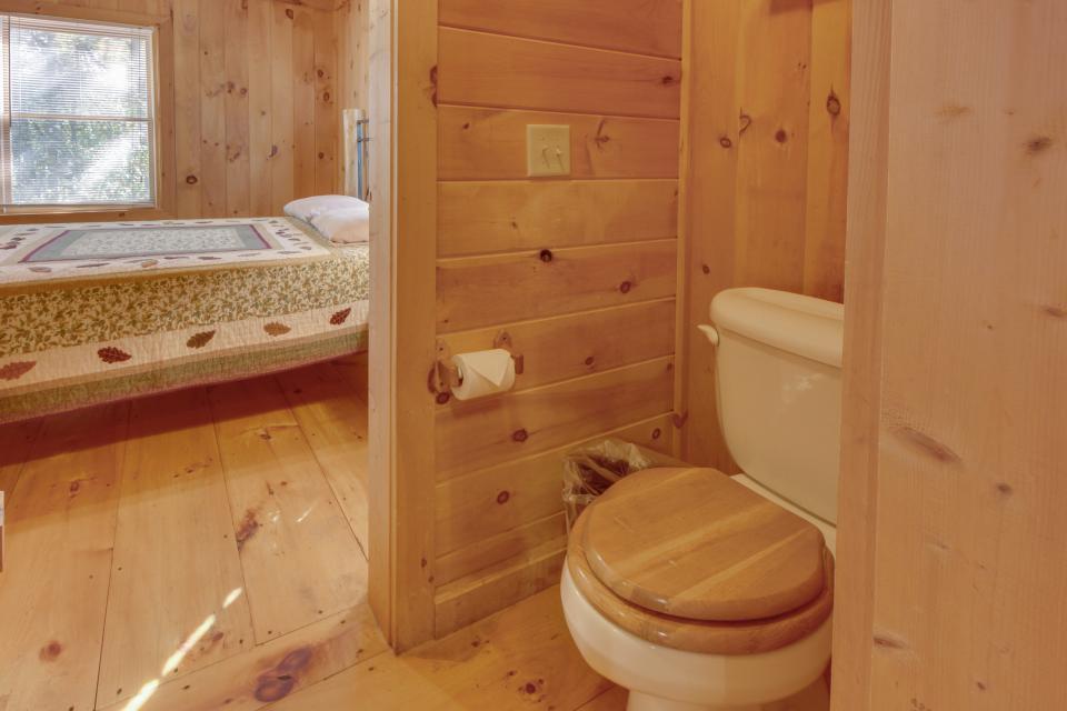 Cherokee Point Cabin - Ellijay Vacation Rental - Photo 41