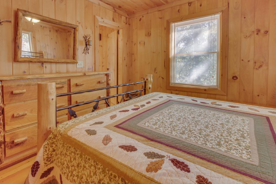 Cherokee Point Cabin - Ellijay Vacation Rental - Photo 20