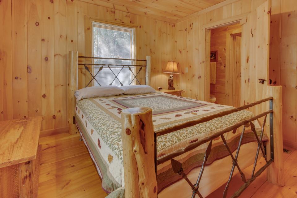 Cherokee Point Cabin - Ellijay Vacation Rental - Photo 19