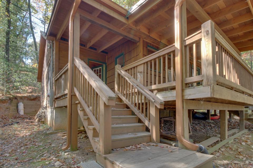 Cherokee Point Cabin - Ellijay Vacation Rental - Photo 21