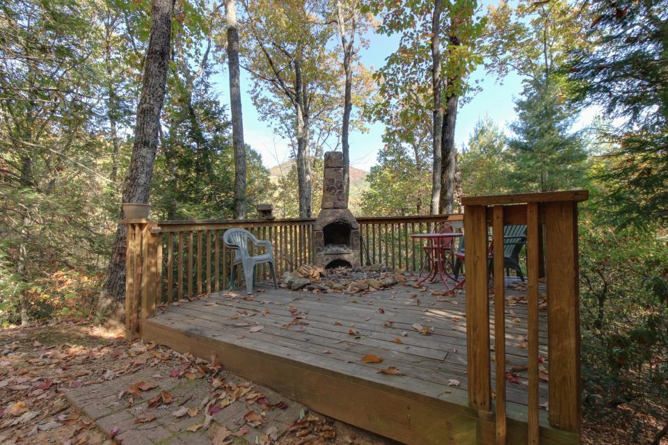 Cherokee Point Cabin - Ellijay Vacation Rental - Photo 29