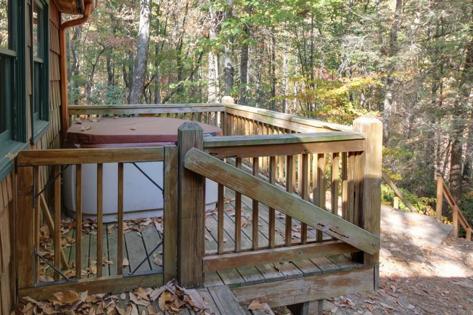 Cherokee Point Cabin - Ellijay Vacation Rental - Photo 31