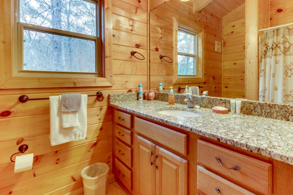 Cherokee Overlook Cabin - Chatsworth Vacation Rental - Photo 21