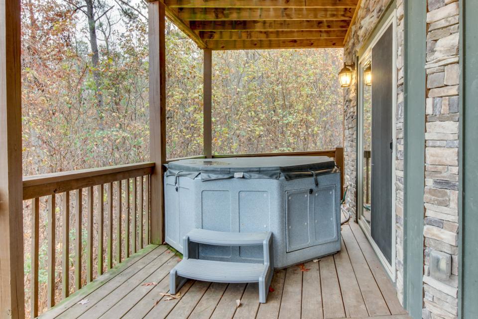 Cherokee Overlook Cabin - Chatsworth Vacation Rental - Photo 26