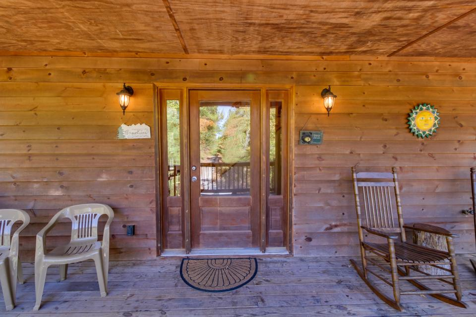 Closer to Heaven Cabin - Talking Rock Vacation Rental - Photo 29
