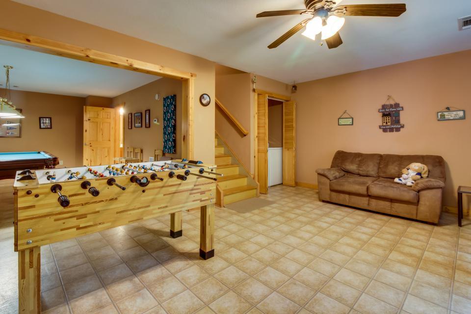 Closer to Heaven Cabin - Talking Rock Vacation Rental - Photo 35