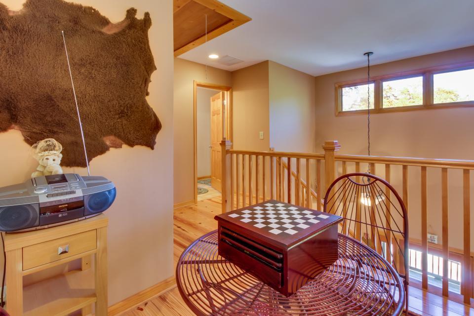 Closer to Heaven Cabin - Talking Rock Vacation Rental - Photo 40