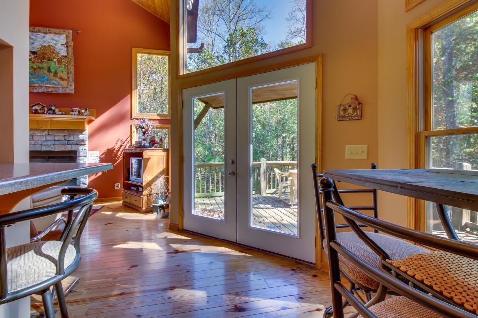 Closer to Heaven Cabin - Talking Rock Vacation Rental - Photo 32