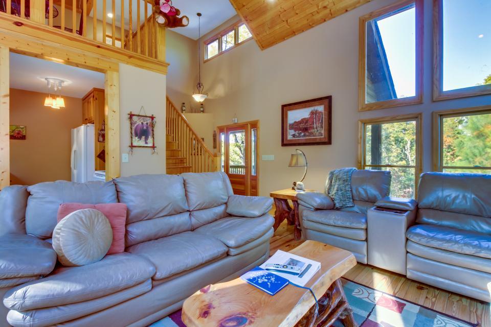 Closer to Heaven Cabin - Talking Rock Vacation Rental - Photo 9