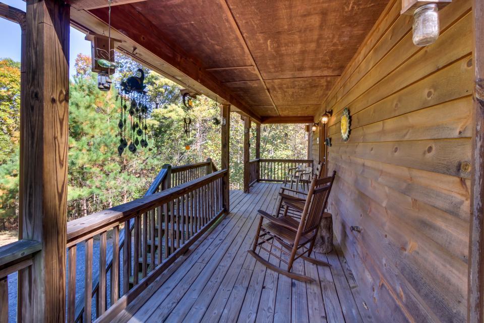 Closer to Heaven Cabin - Talking Rock Vacation Rental - Photo 27