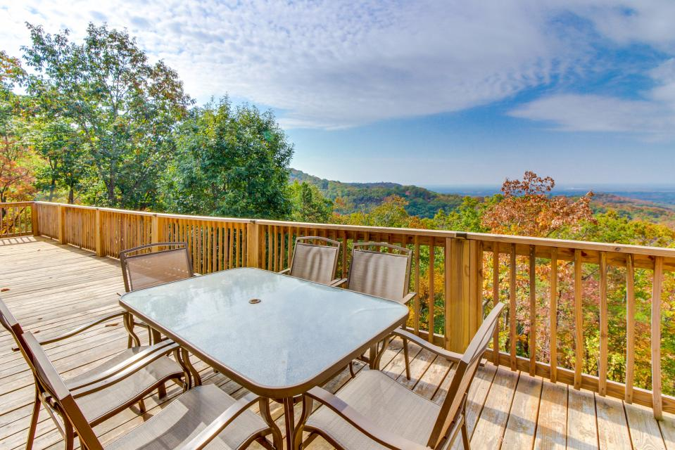 Copper Ridge Cabin - Ranger Vacation Rental - Photo 2