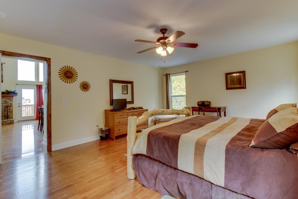Copper Ridge Cabin - Ranger Vacation Rental - Photo 41