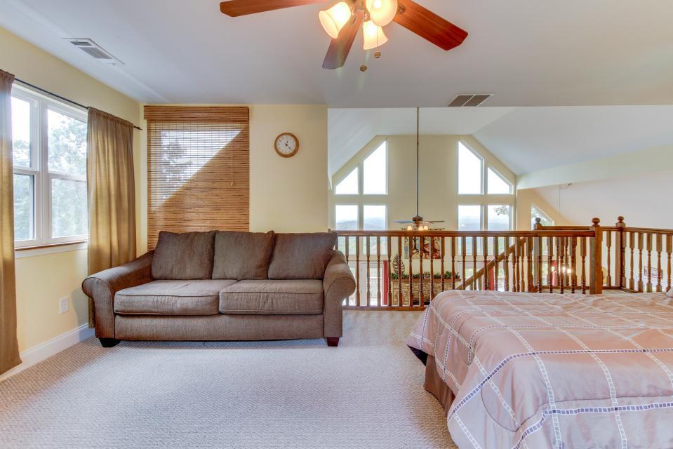 Copper Ridge Cabin - Ranger Vacation Rental - Photo 44