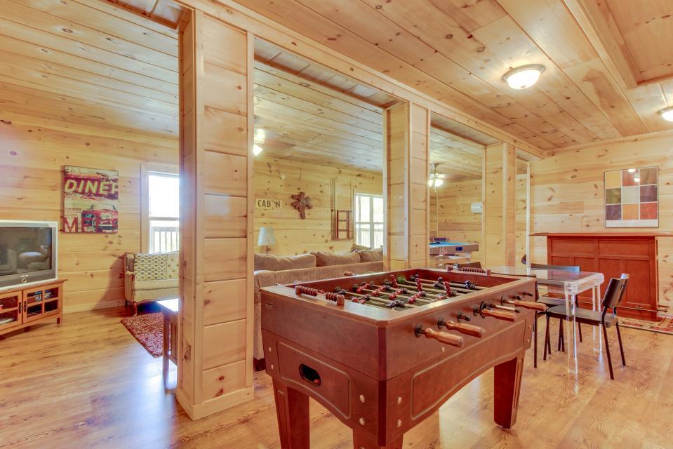 Copper Ridge Cabin - Ranger Vacation Rental - Photo 4