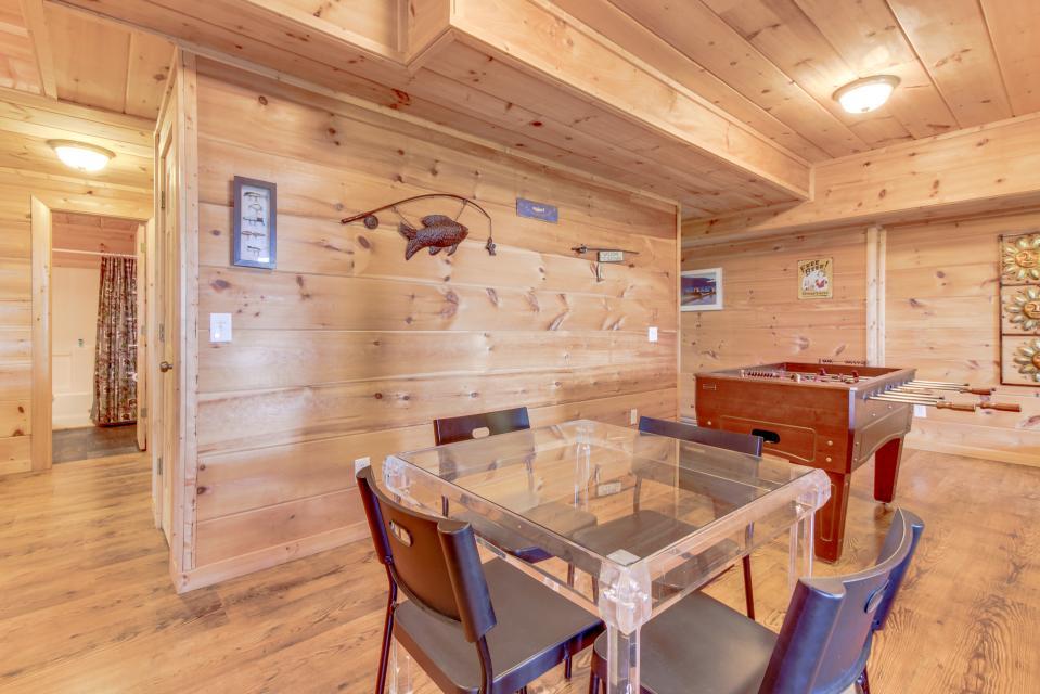 Copper Ridge Cabin - Ranger Vacation Rental - Photo 40