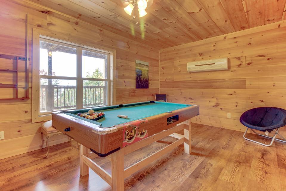 Copper Ridge Cabin - Ranger Vacation Rental - Photo 12