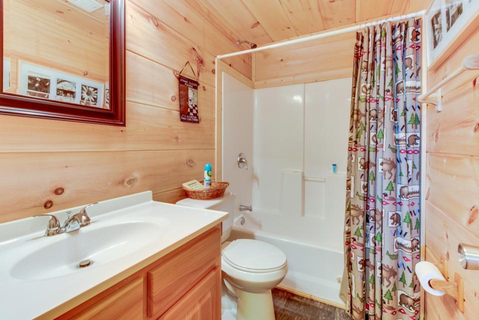 Copper Ridge Cabin - Ranger Vacation Rental - Photo 21