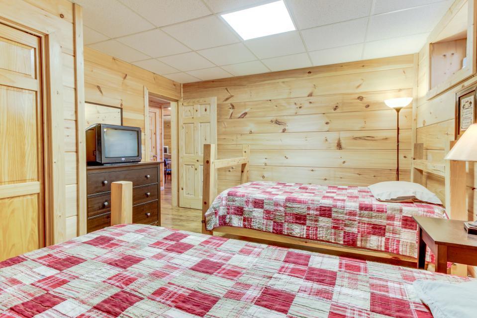 Copper Ridge Cabin - Ranger Vacation Rental - Photo 23