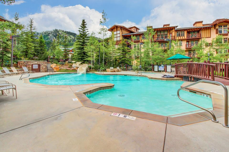 Eagle Springs East 107: Lady Fern Suite - Solitude Vacation Rental - Photo 28