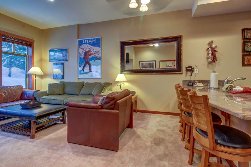 Eagle Springs East 107: Lady Fern Suite - Solitude Vacation Rental - Photo 9