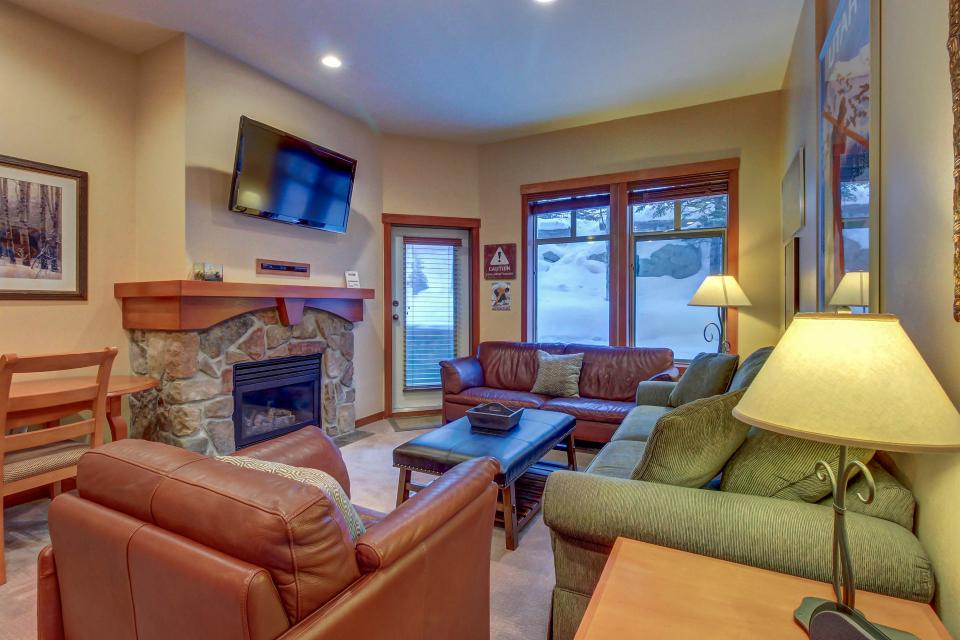 Eagle Springs East 107: Lady Fern Suite - Solitude Vacation Rental - Photo 7