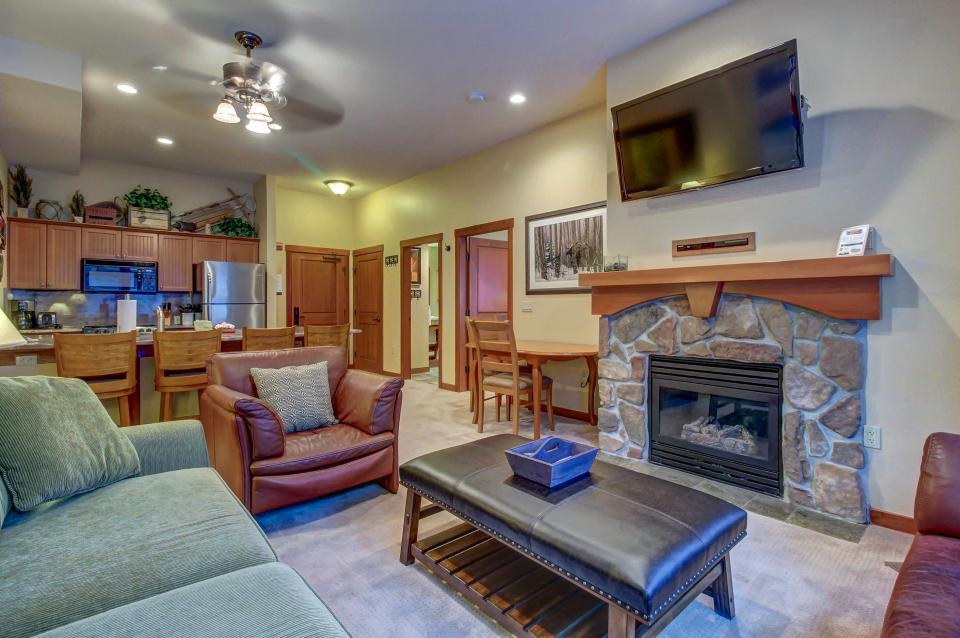 Eagle Springs East 107: Lady Fern Suite - Solitude - Take a Virtual Tour