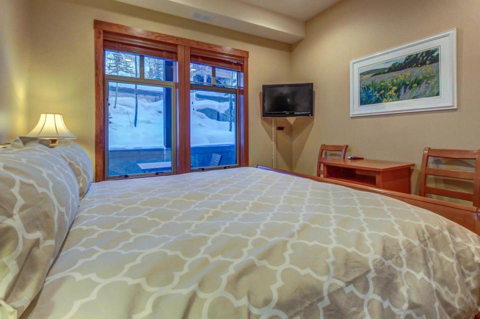 Eagle Springs East 107: Lady Fern Suite - Solitude Vacation Rental - Photo 23