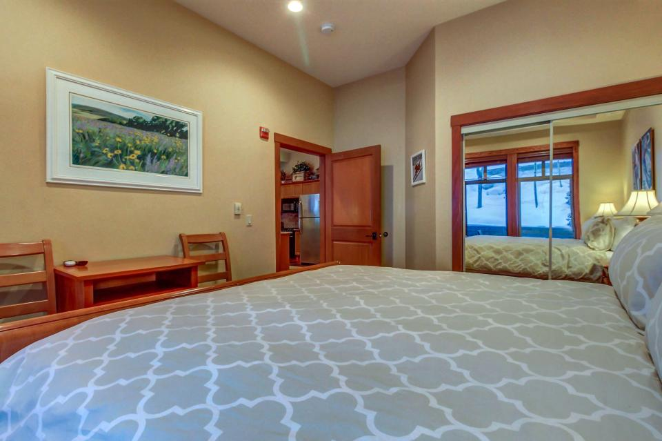 Eagle Springs East 107: Lady Fern Suite - Solitude Vacation Rental - Photo 27