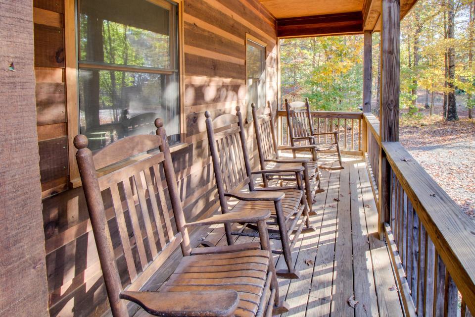 Star Seasons Retreat - Ellijay Vacation Rental - Photo 5