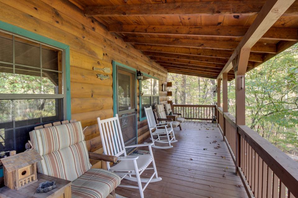 T&M Creek Cabin - Ellijay Vacation Rental - Photo 22