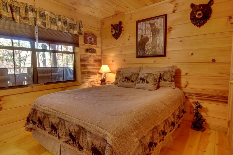 T&M Creek Cabin - Ellijay Vacation Rental - Photo 18