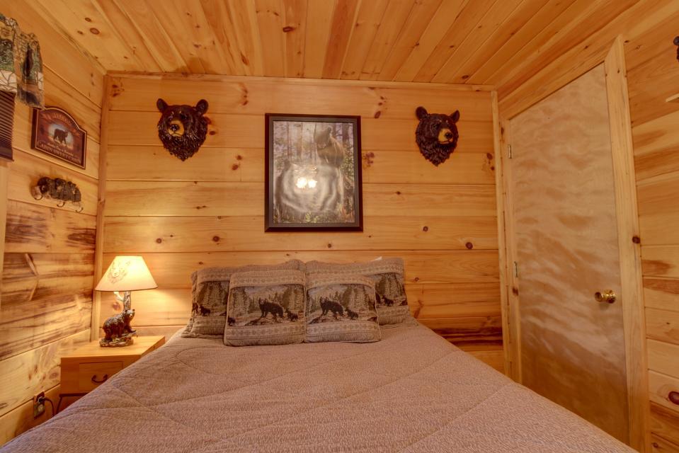 T&M Creek Cabin - Ellijay Vacation Rental - Photo 20