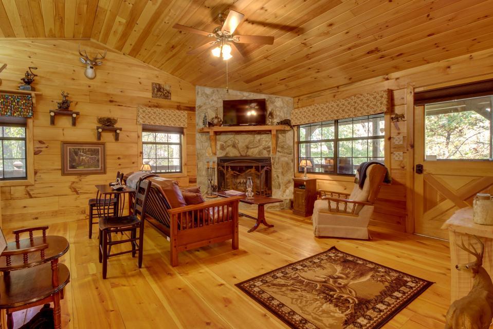 T&M Creek Cabin - Ellijay Vacation Rental - Photo 2