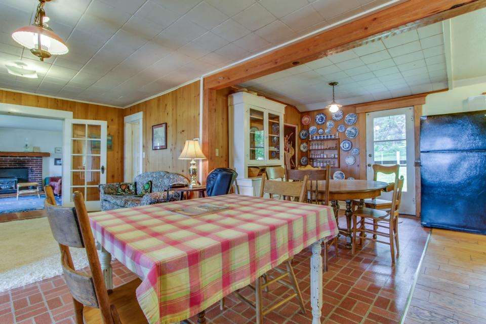 Mackinaw Getaway  - Sagle Vacation Rental - Photo 6