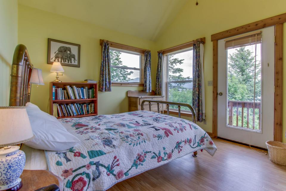 Mackinaw Getaway  - Sagle Vacation Rental - Photo 14