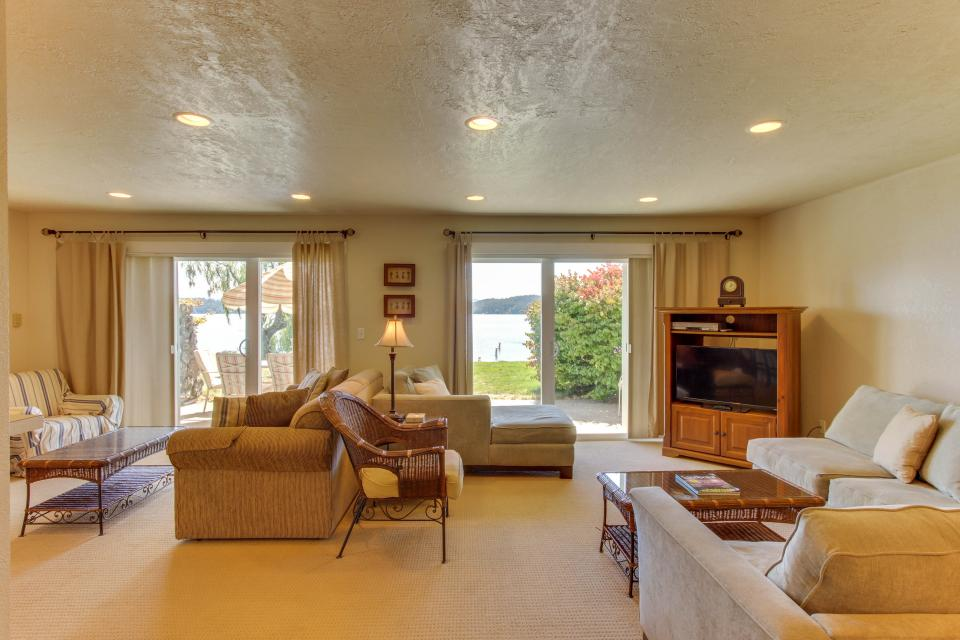 Lakeside Living On Pend Oreille - Sandpoint Vacation Rental - Photo 10