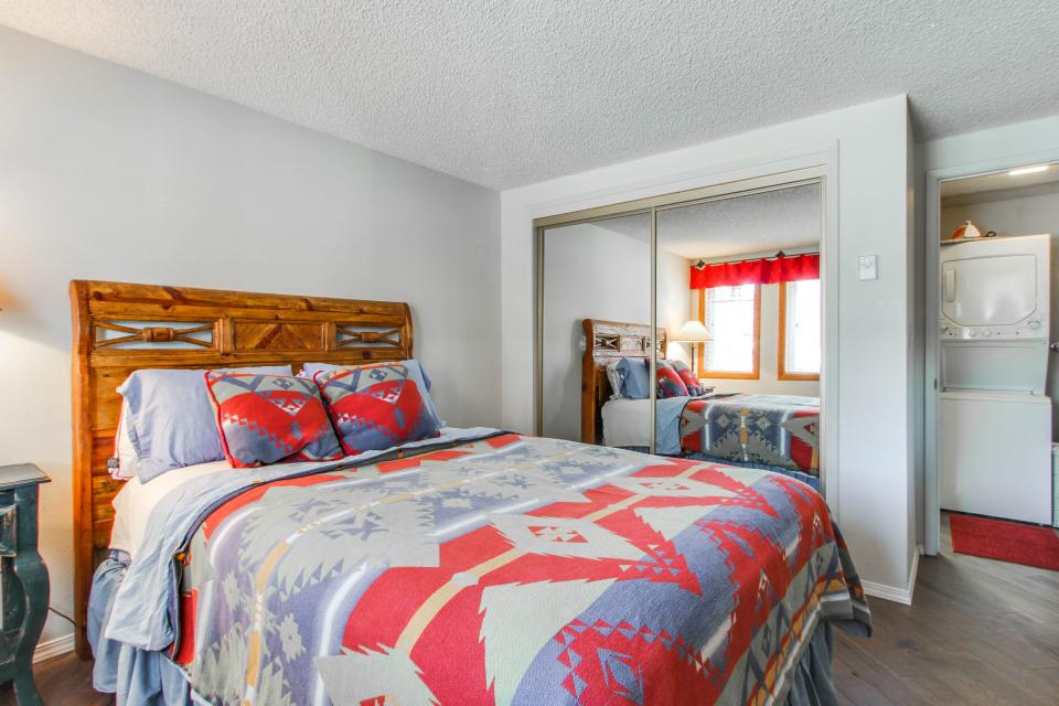 Affordable Waterfront Retreat - Sandpoint Vacation Rental - Photo 11