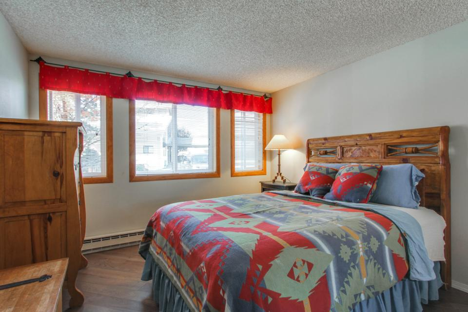 Affordable Waterfront Retreat - Sandpoint Vacation Rental - Photo 12