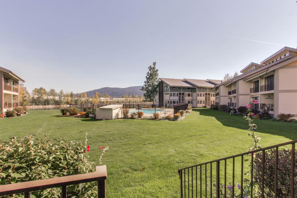Affordable Waterfront Retreat - Sandpoint Vacation Rental - Photo 2