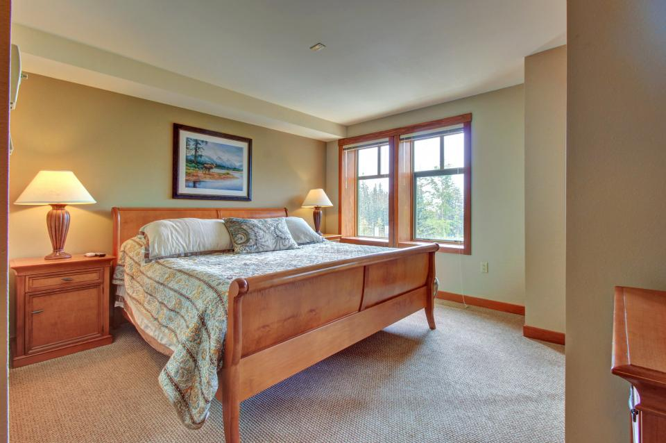 Eagle Springs East 214: Grosbeak Suite - Solitude Vacation Rental - Photo 17