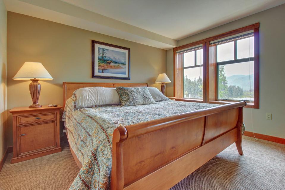 Eagle Springs East 214: Grosbeak Suite - Solitude Vacation Rental - Photo 18