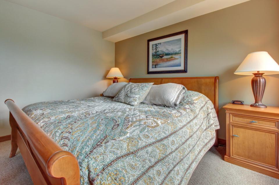 Eagle Springs East 214: Grosbeak Suite - Solitude Vacation Rental - Photo 19