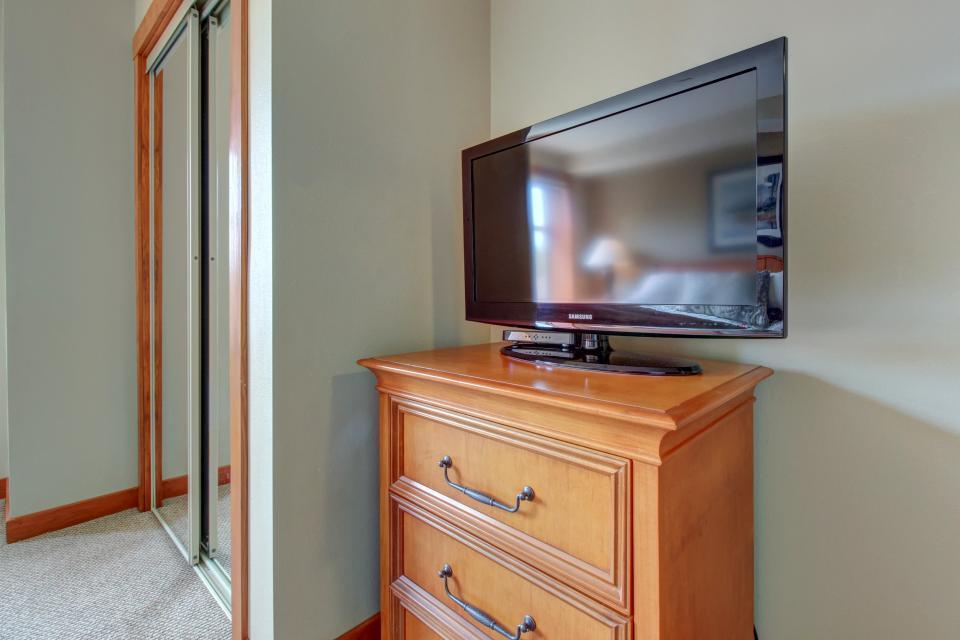 Eagle Springs East 214: Grosbeak Suite - Solitude Vacation Rental - Photo 21