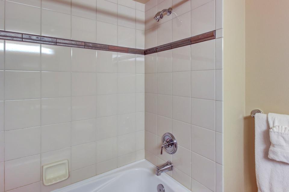 Eagle Springs East 214: Grosbeak Suite - Solitude Vacation Rental - Photo 23