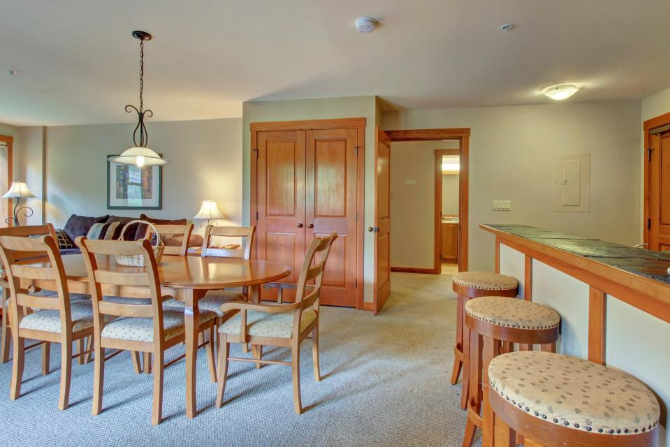 Eagle Springs East 214: Grosbeak Suite - Solitude Vacation Rental - Photo 8
