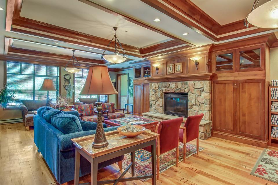 Eagle Springs East 214: Grosbeak Suite - Solitude Vacation Rental - Photo 25