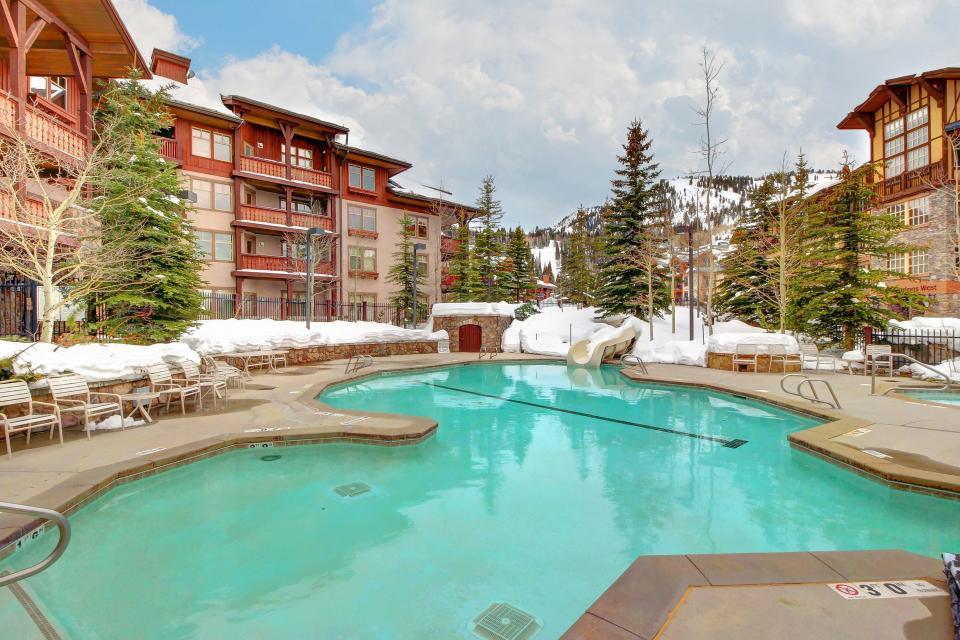 Eagle Springs East 214: Grosbeak Suite - Solitude Vacation Rental - Photo 49