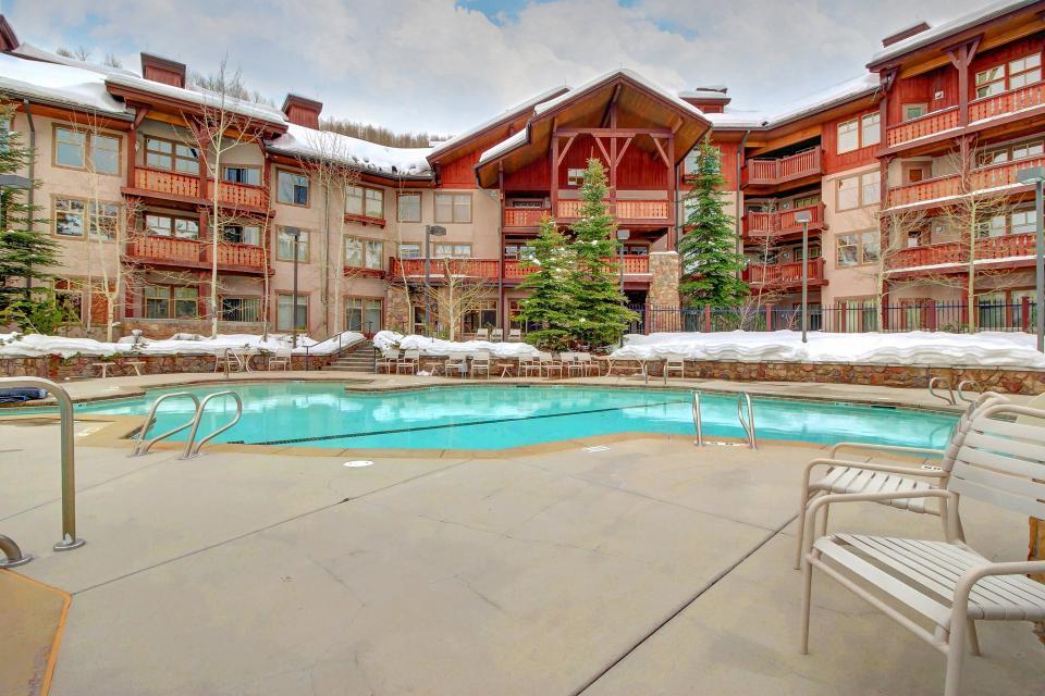Eagle Springs East 214: Grosbeak Suite - Solitude Vacation Rental - Photo 47